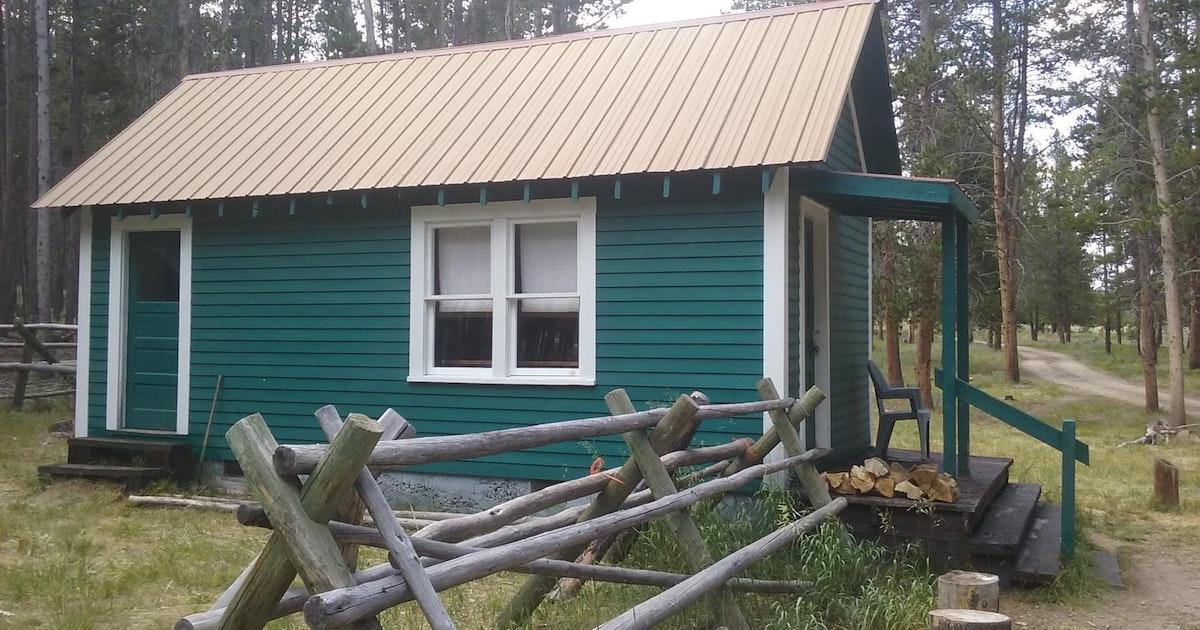 cabin Bloody mt dick
