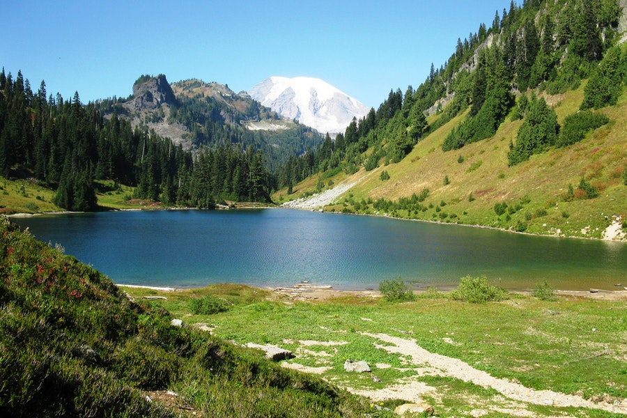 Hike and fish the tatoosh lakes washington for Fishing lakes in washington