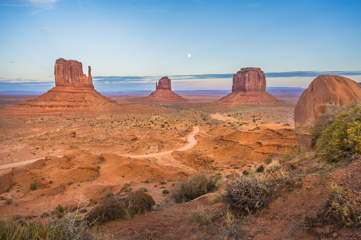 Drive the Scenic Loop of Monument Valley