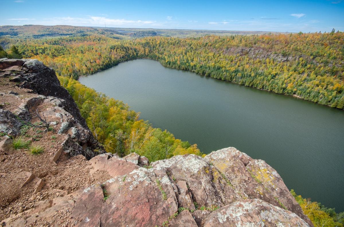 5 Scenic Fall Hikes along Minnesota's North Shore