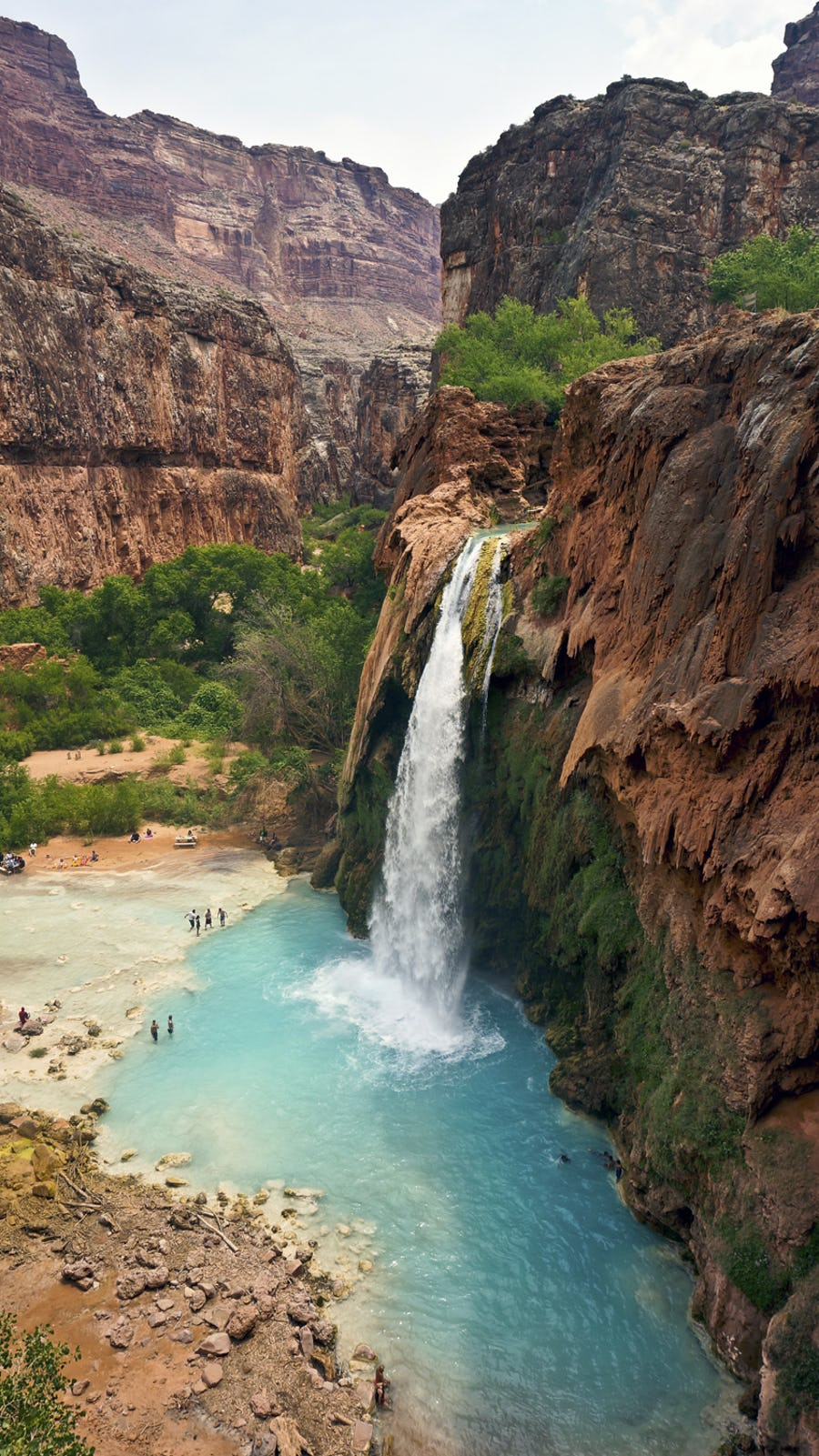 The Top 4 Hotels For Unlocking North America S Great Waterfalls