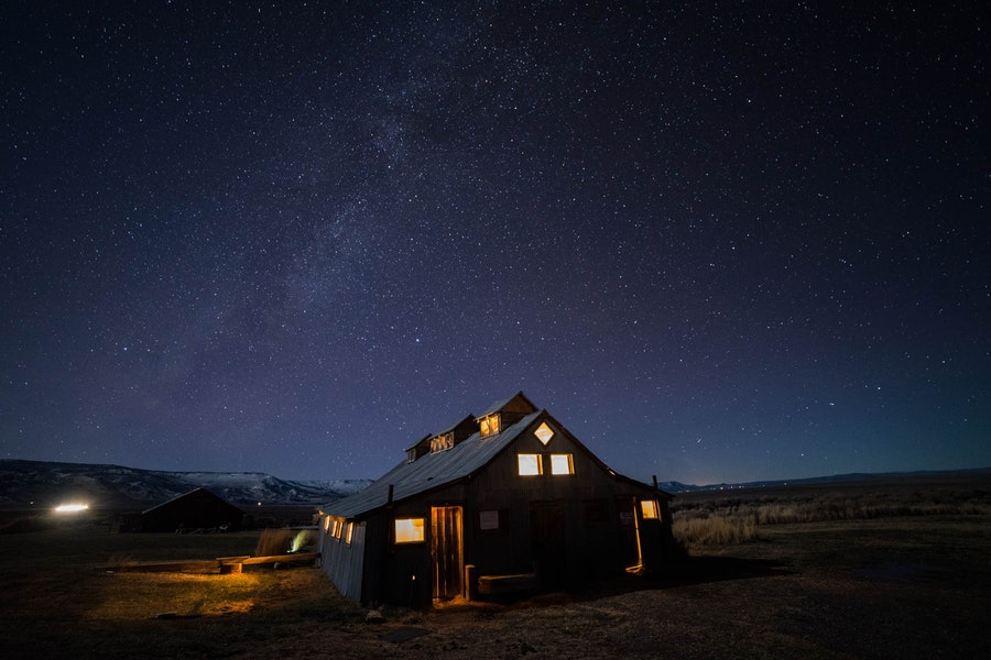 Make The Short Drive From Bend OR To These Wonderful Hot Springs Inside An Old Barn Be Sure Step Outside For Epic Starry Skies Learn More