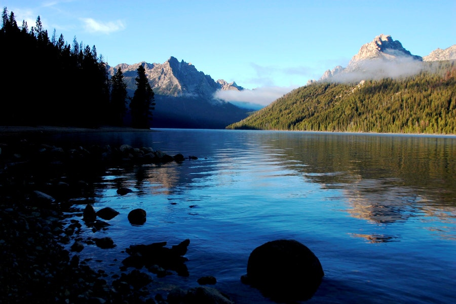 10 idaho lakes and rivers perfect for fishing for Fishing in boise idaho