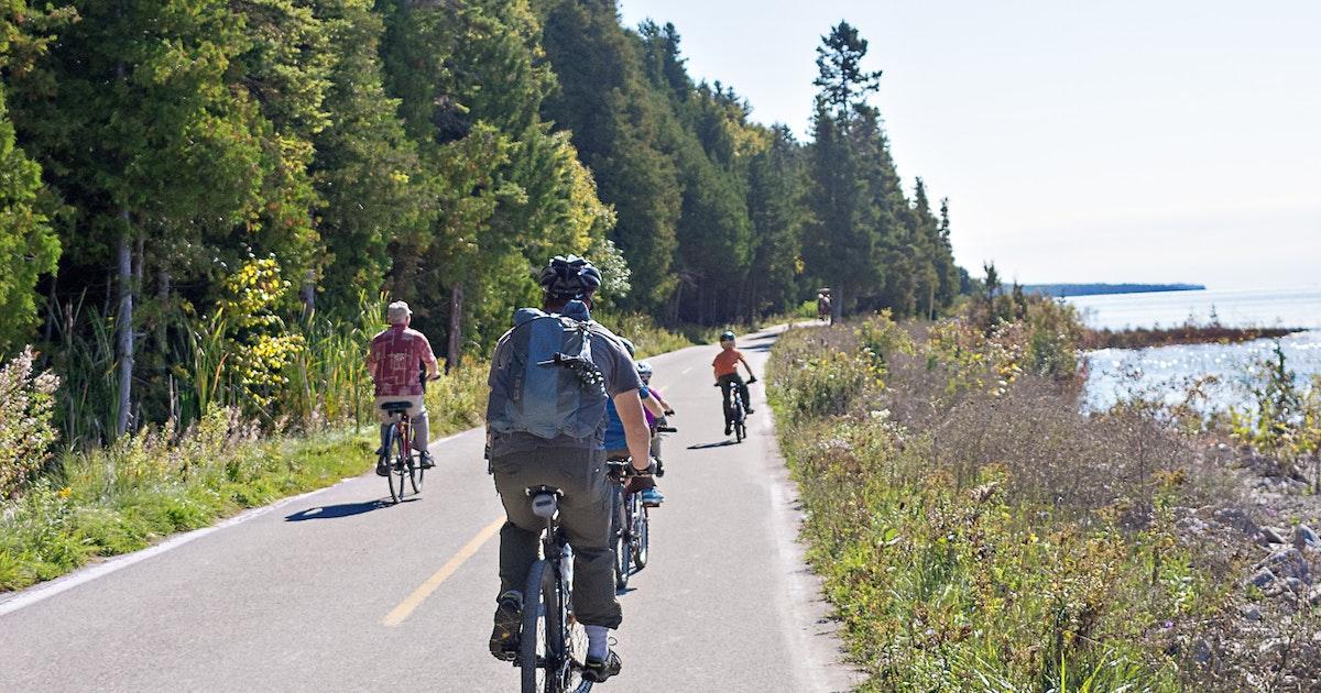 Mackinac Island Bike Rental: The Ultimate Guide For The Island |Mackinac Island Bicycle Cafe