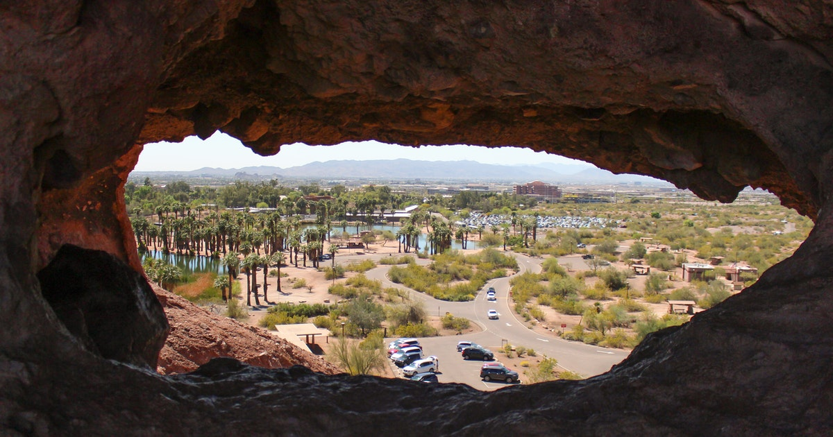 Hike to the Hole in the Rock at Papago Park, Hole in the ...