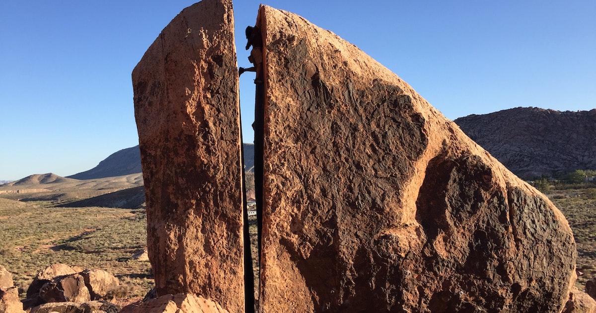 Discover Car Lot >> Bouldering at Kraft Boulders, Red Rock, Kraft Boulders Parking Lot and Trailhead